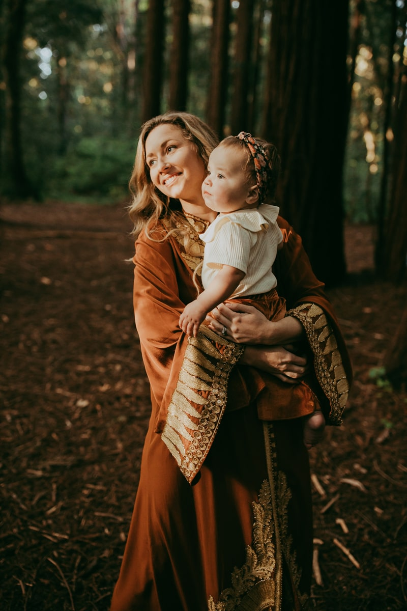 Maternity Photography, mother and little girl smiling together