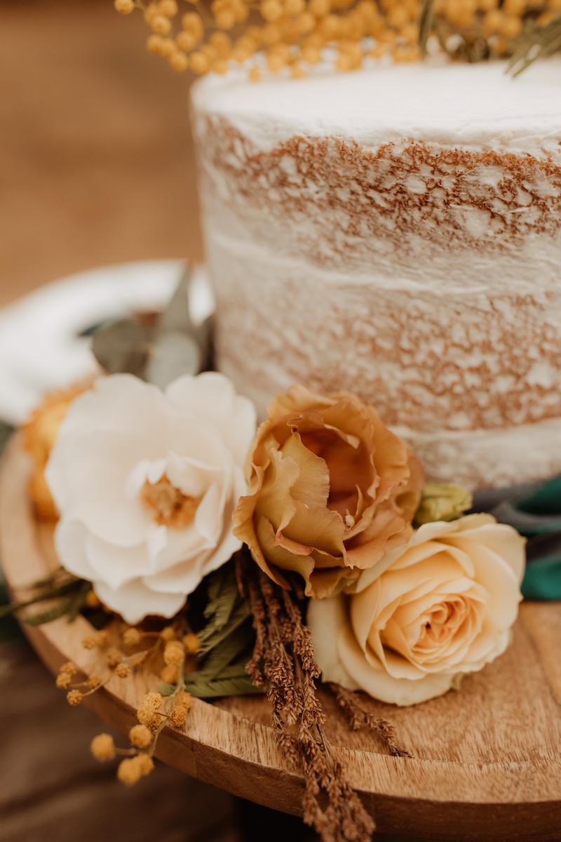 Elopement Photography, detailed wedding cake shot