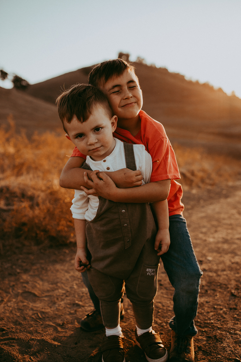Family Photography, brother hugging little brother